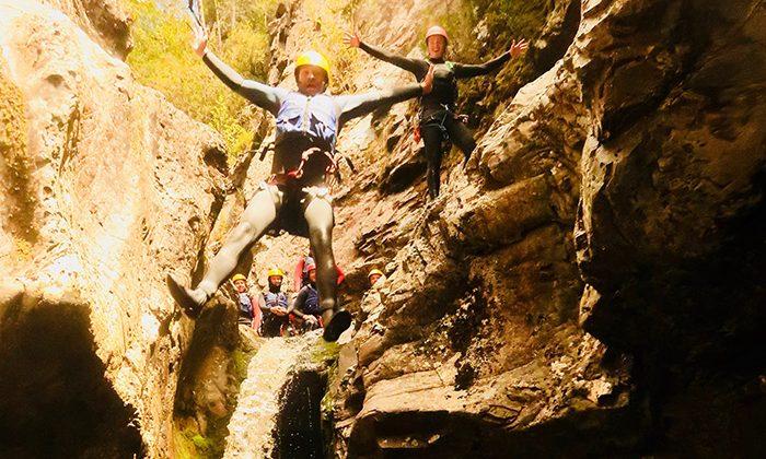 canyon-pit-jump--