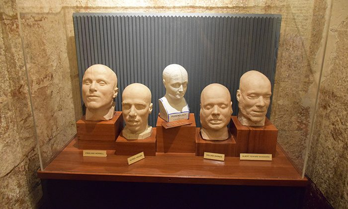 gaol-death-masks---robin-esrock