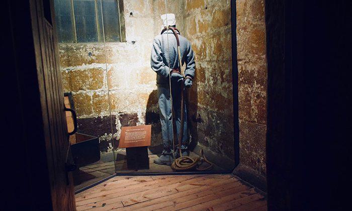gaol-hanged-man---robin-esrock