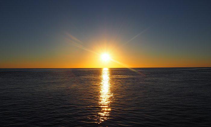 reefsleep-sunset--robin-esrock