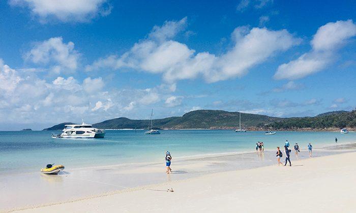 whitehaven-beach-robin-esrock