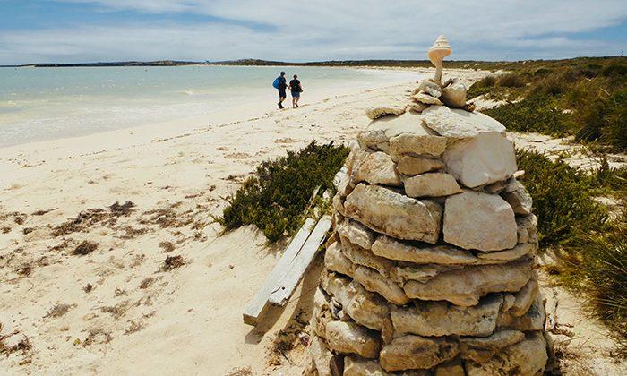 abrolhos---beach-walk---robin-esrock