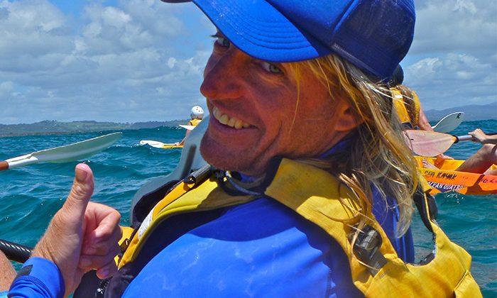 byronkayak-Dougthumbsup-Go-Sea-Kayaking