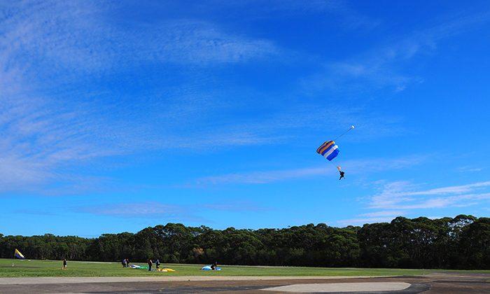skydive-landing-robin-esrock